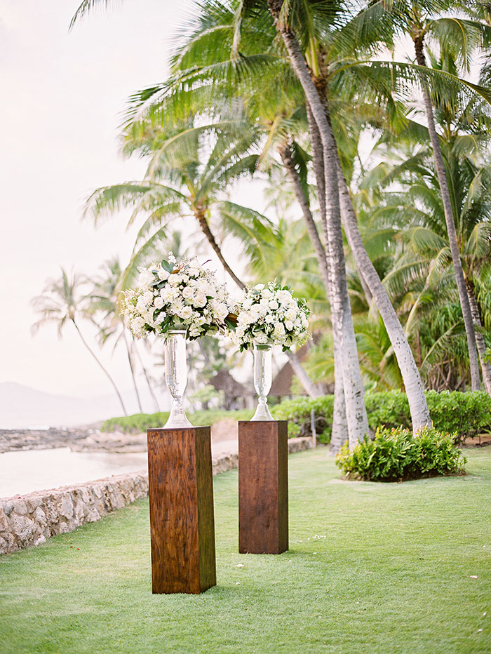 glam-oahu-wedding-beachfront-pink-inspiration10