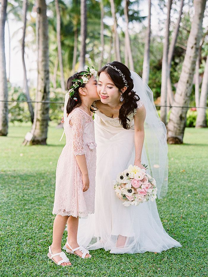 glam-oahu-wedding-beachfront-pink-inspiration23