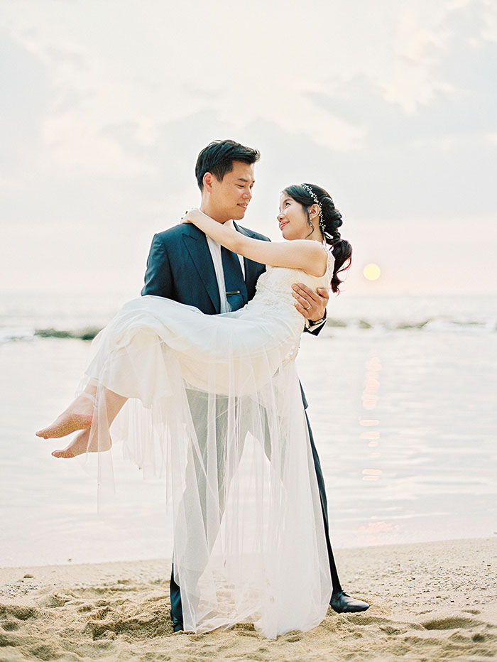 glam-oahu-wedding-beachfront-pink-inspiration35