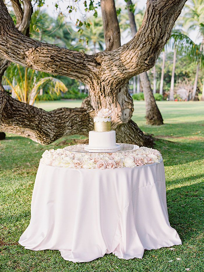 glam-oahu-wedding-beachfront-pink-inspiration51