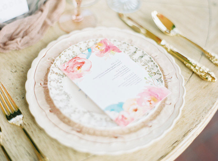 italian-summer-villa-peach-chartruese-wedding-inspiration05