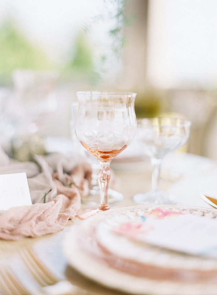 italian-summer-villa-peach-chartruese-wedding-inspiration07