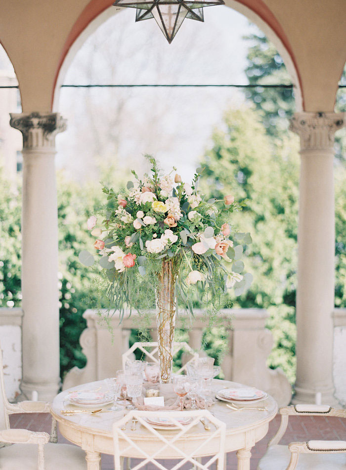 italian-summer-villa-peach-chartruese-wedding-inspiration10