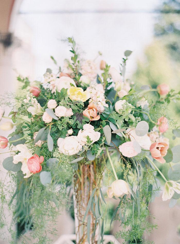 italian-summer-villa-peach-chartruese-wedding-inspiration11