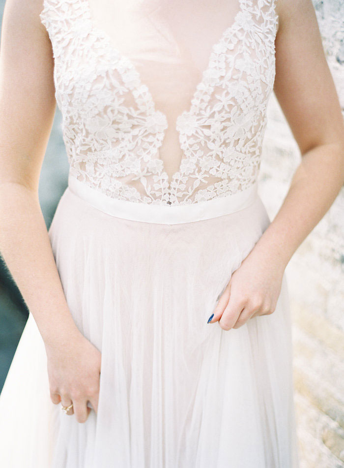 italian-summer-villa-peach-chartruese-wedding-inspiration31