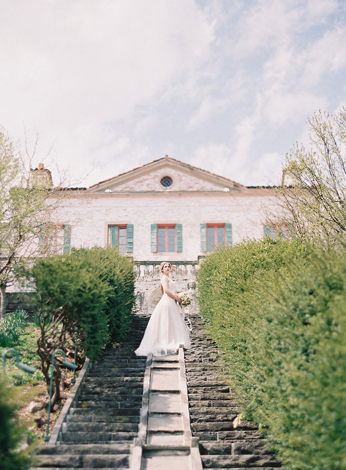 italian-summer-villa-peach-chartruese-wedding-inspiration36