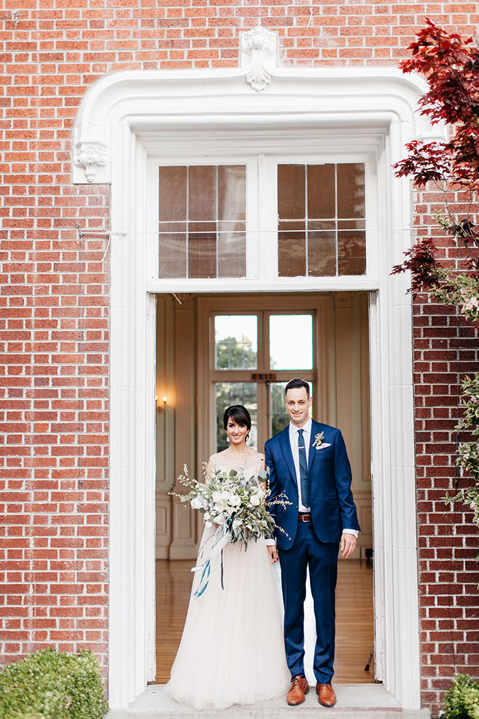 kohl-mansion-old-world-blue-wedding-inspiration11