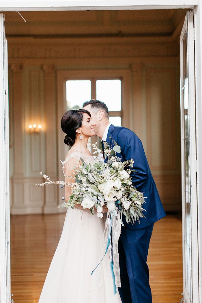 kohl-mansion-old-world-blue-wedding-inspiration12