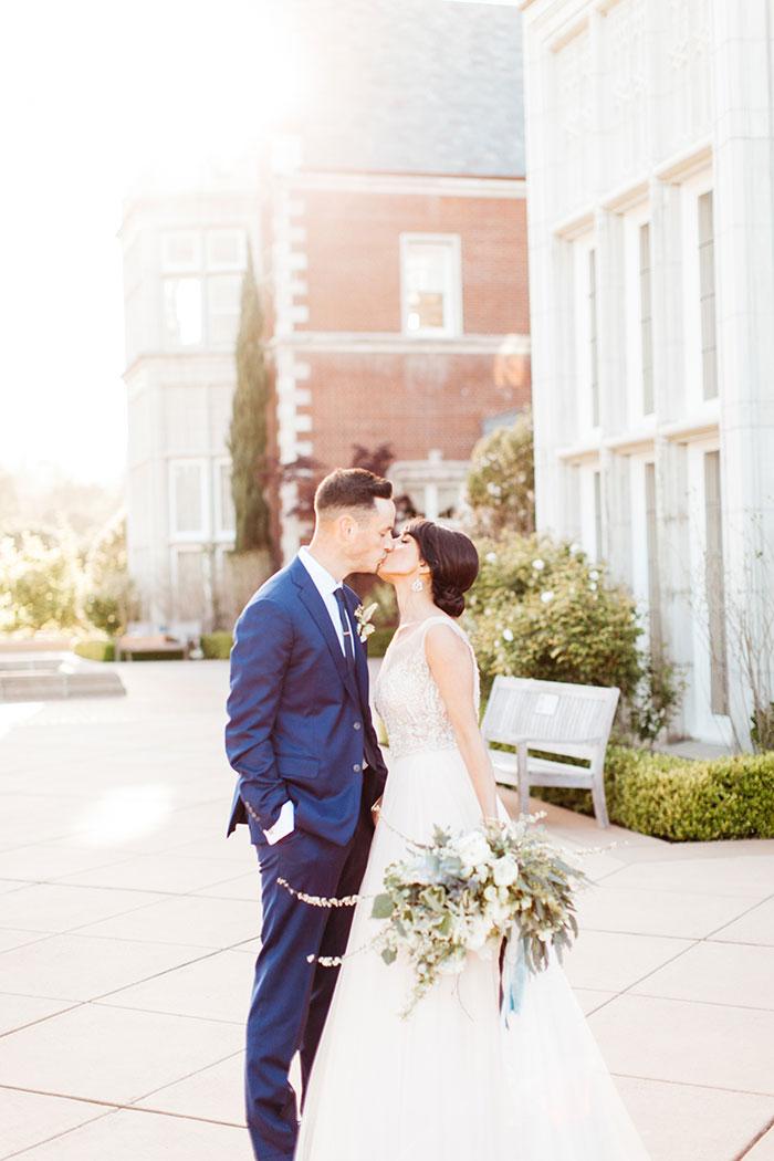 kohl-mansion-old-world-blue-wedding-inspiration18