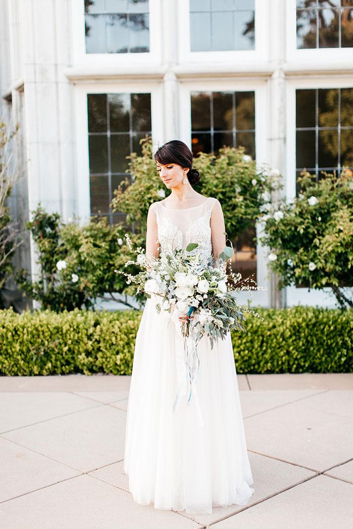 kohl-mansion-old-world-blue-wedding-inspiration22
