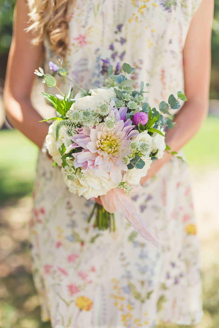 spanish-oaks-ranch-summer-garden-picinic-wedding-inspiration02