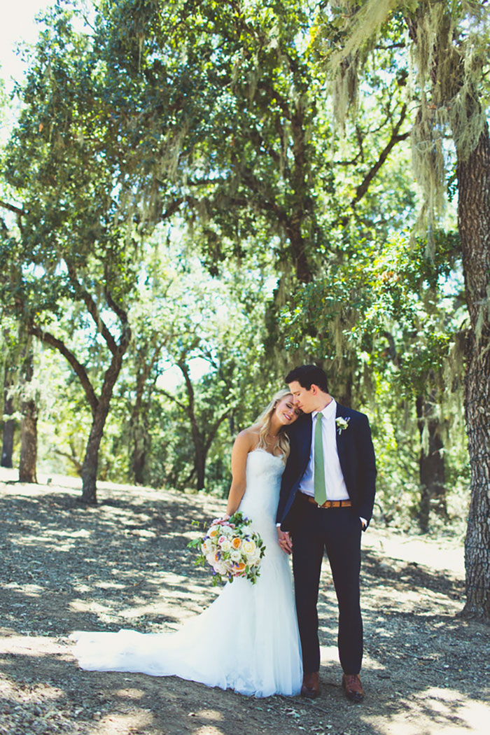 spanish-oaks-ranch-summer-garden-picinic-wedding-inspiration04
