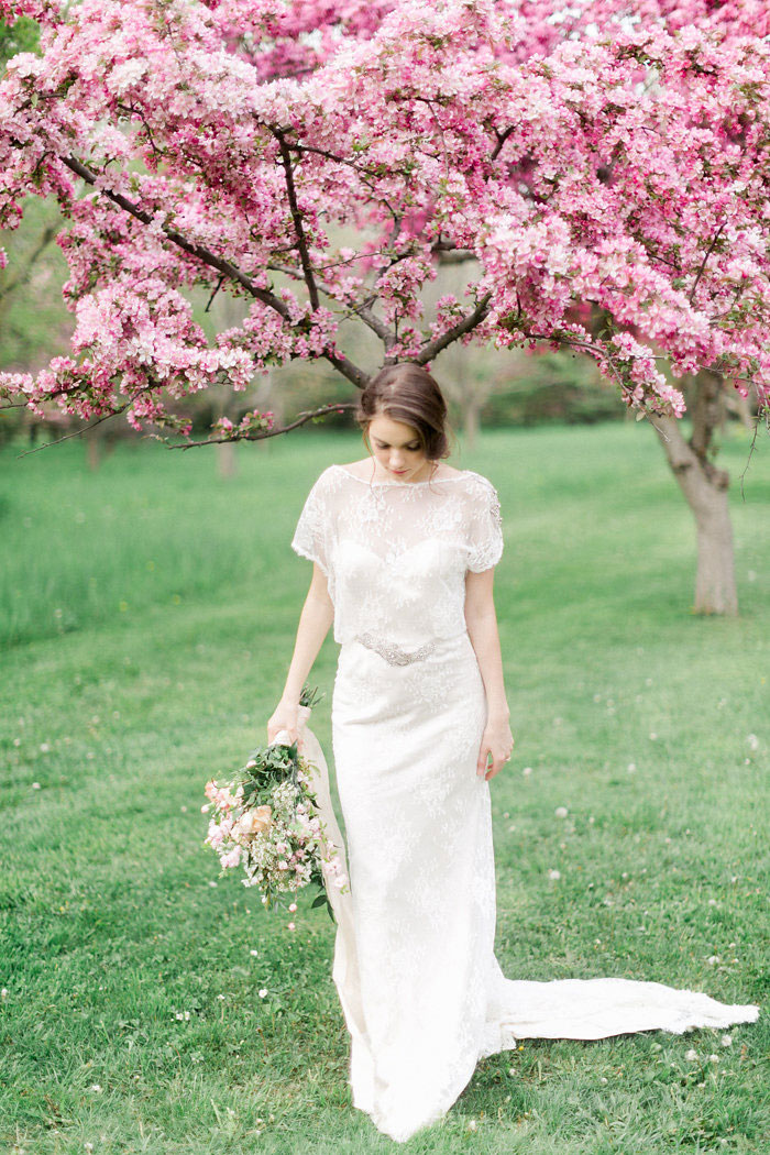 spring-pink-blossoms-ethereal-inspiration-shoot14