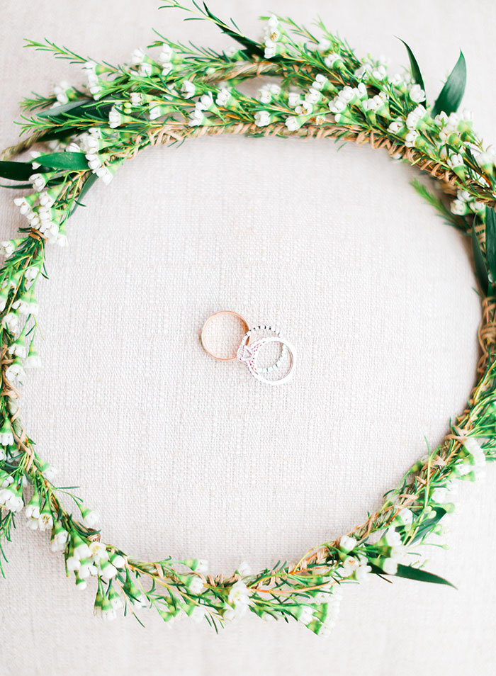crooked-willow-farms-red-barn-colorado-pink-wedding-inspiration05