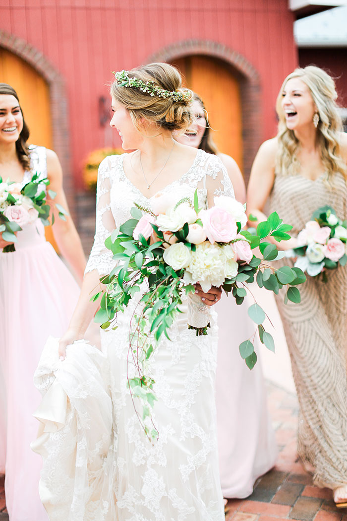 crooked-willow-farms-red-barn-colorado-pink-wedding-inspiration08