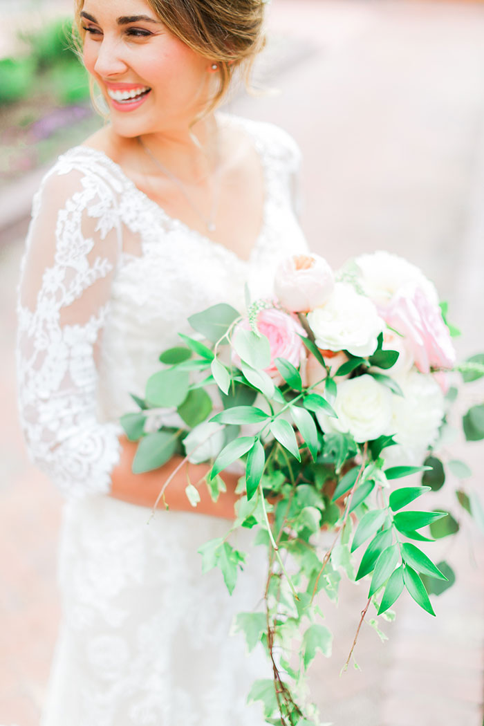 crooked-willow-farms-red-barn-colorado-pink-wedding-inspiration12