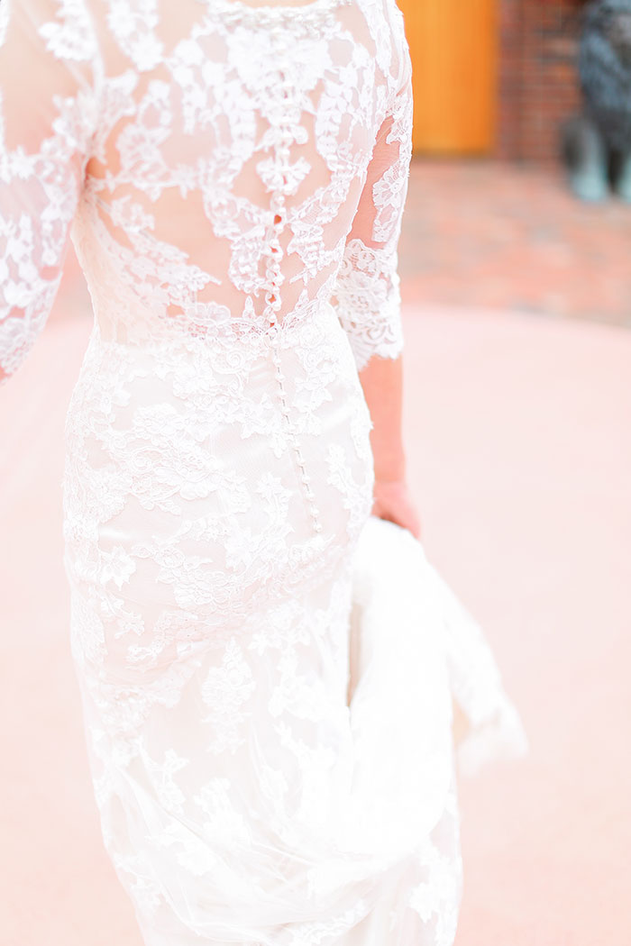crooked-willow-farms-red-barn-colorado-pink-wedding-inspiration13