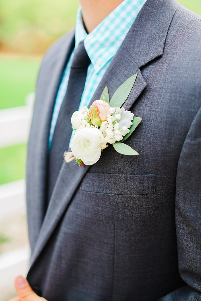 crooked-willow-farms-red-barn-colorado-pink-wedding-inspiration14