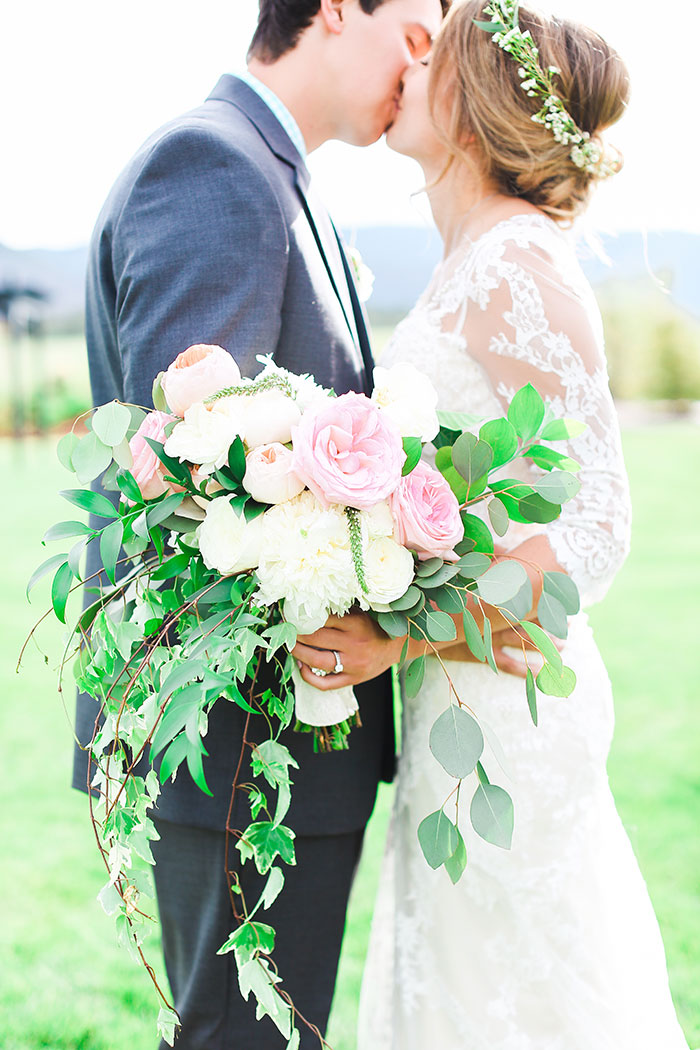 crooked-willow-farms-red-barn-colorado-pink-wedding-inspiration28