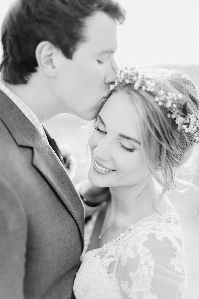 crooked-willow-farms-red-barn-colorado-pink-wedding-inspiration33