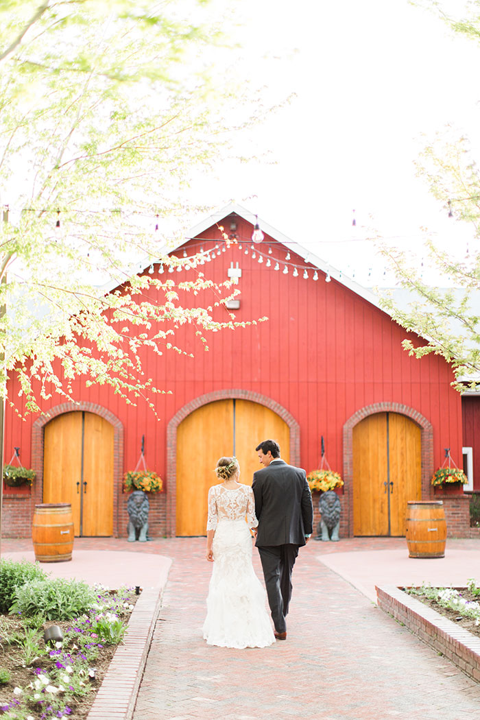 crooked-willow-farms-red-barn-colorado-pink-wedding-inspiration40