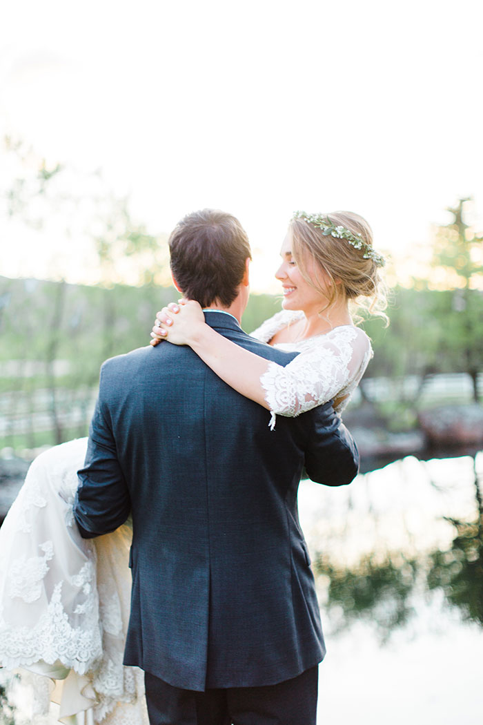 crooked-willow-farms-red-barn-colorado-pink-wedding-inspiration46