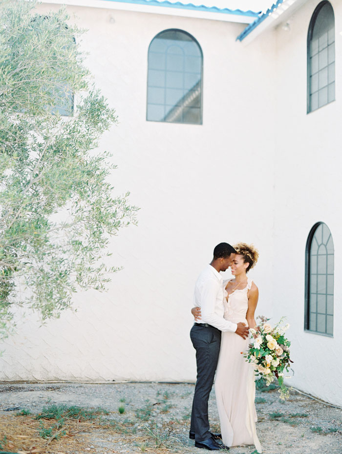 organic-vineyard-elopement-inspiration-shoot-04