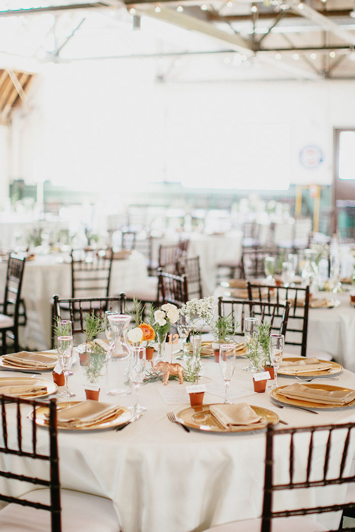 detroit-eco-friendly-gold-animal-forest-lace-wedding-inspiration02