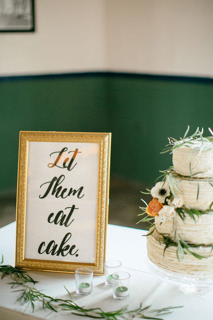 detroit-eco-friendly-gold-animal-forest-lace-wedding-inspiration08