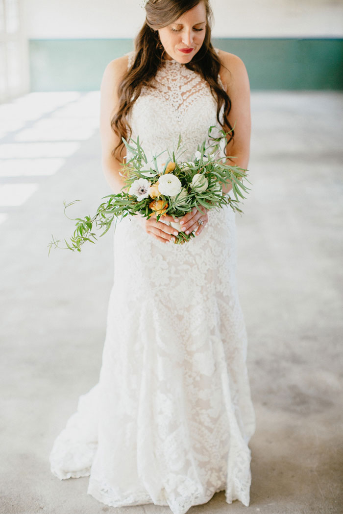 detroit-eco-friendly-gold-animal-forest-lace-wedding-inspiration17