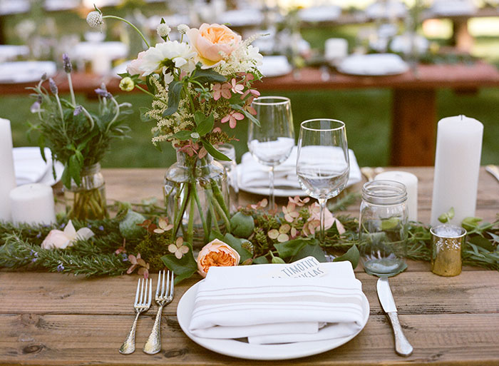 lake-tahoe-bearw-paw-lodge-rustic-wildflower-wedding-inspiration11