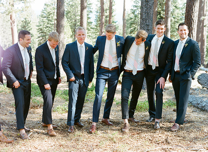 lake-tahoe-bearw-paw-lodge-rustic-wildflower-wedding-inspiration18