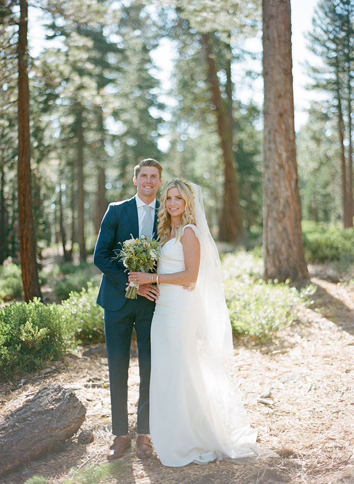 lake-tahoe-bearw-paw-lodge-rustic-wildflower-wedding-inspiration20