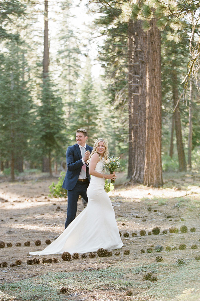 lake-tahoe-bearw-paw-lodge-rustic-wildflower-wedding-inspiration32
