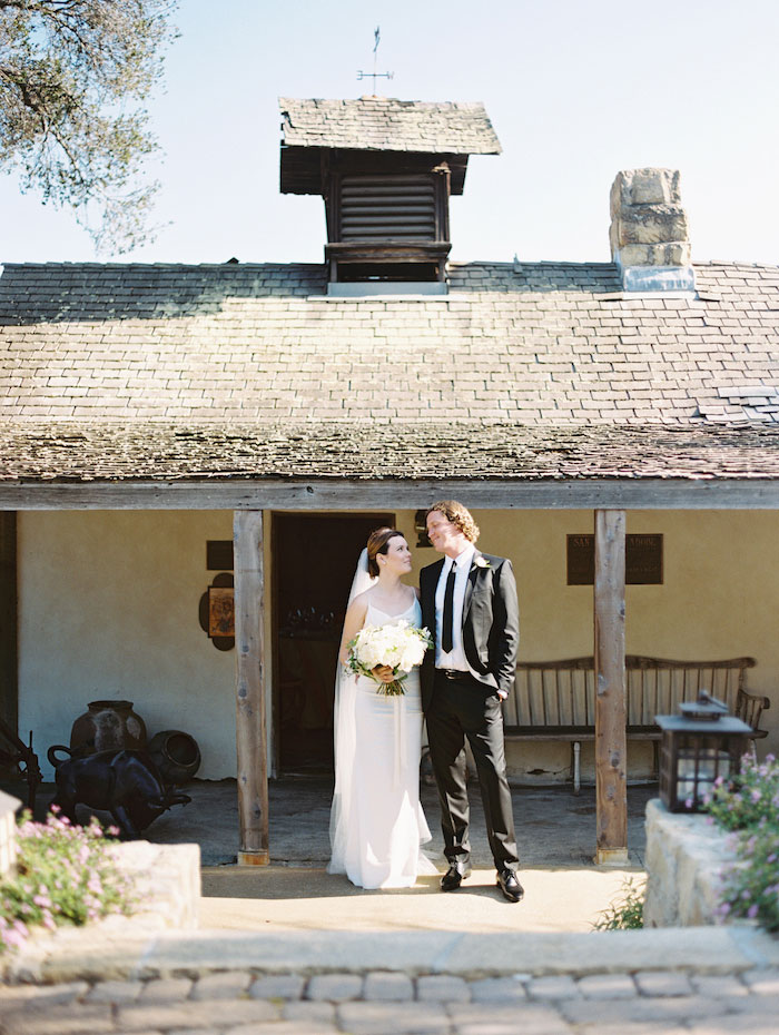 san-ysidro-ranch-white-black-wedding-inspiration-hydrangea00