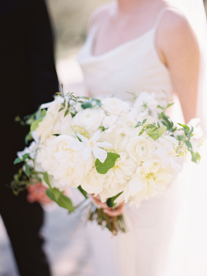 san-ysidro-ranch-white-black-wedding-inspiration-hydrangea07
