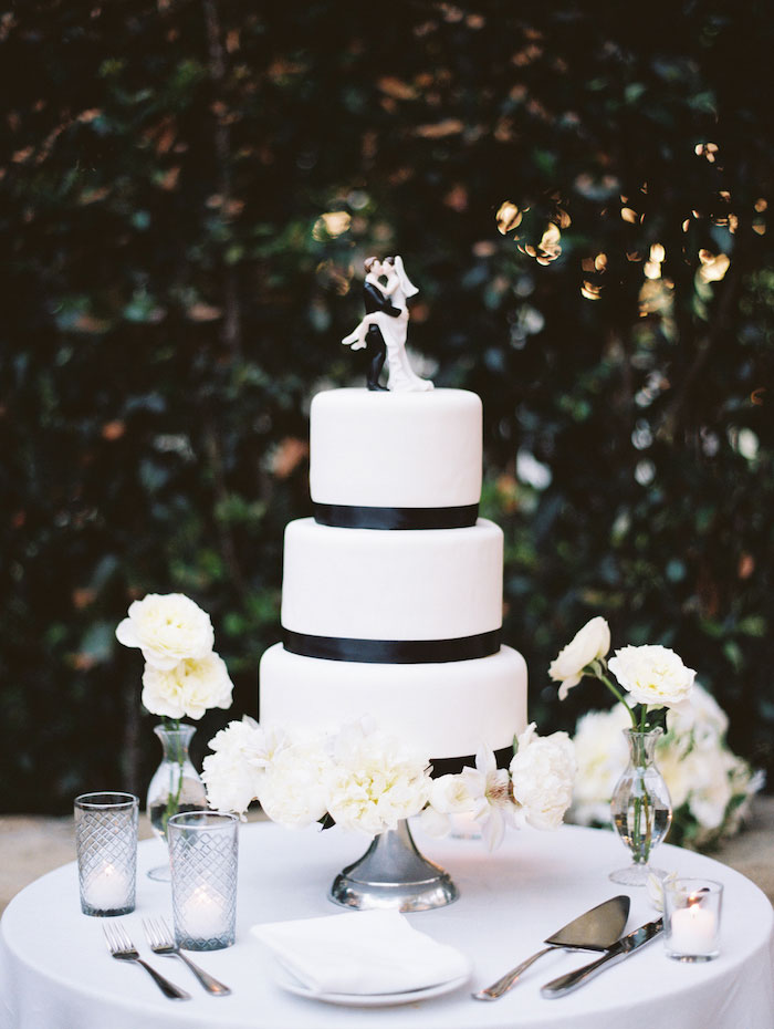san-ysidro-ranch-white-black-wedding-inspiration-hydrangea22