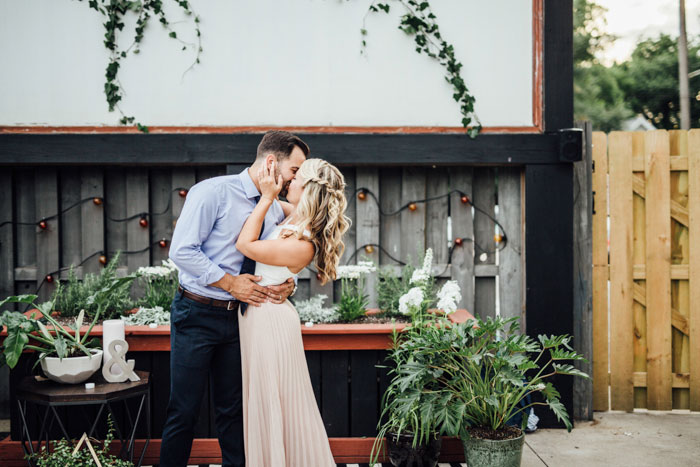 tremont-taphouse-modern-black-white-surprise-succulent-wedding-inspiration51