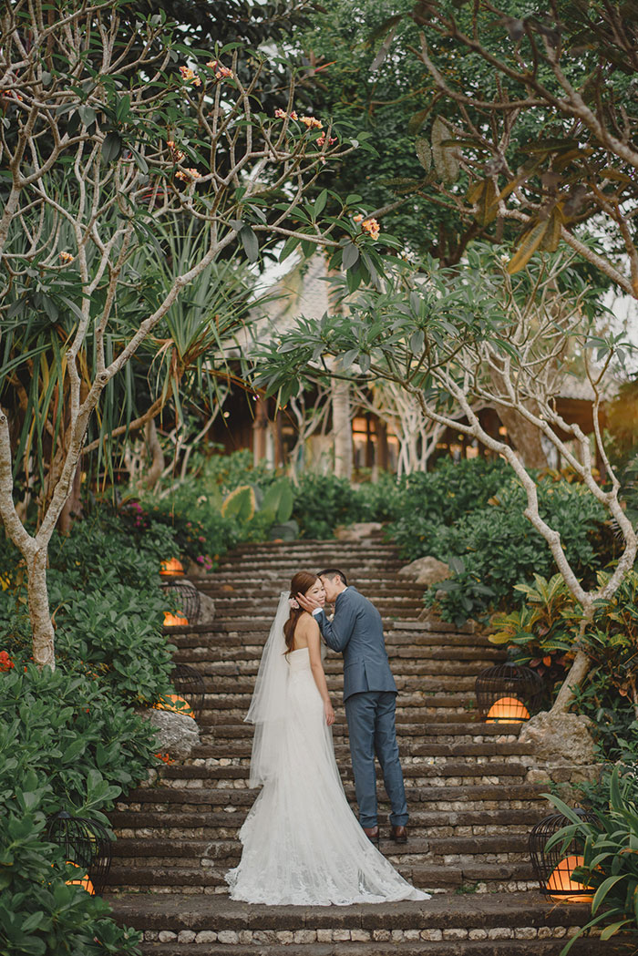 Fiona and gary 39 s beach wedding in bali best wedding blog for Bali mariage location