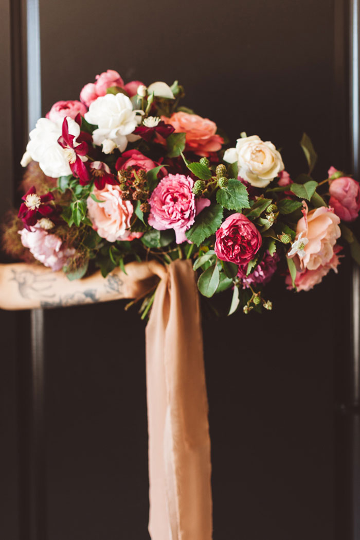 carondelet-house-moody-spooky-vintage-peony-wedding-inspiration02