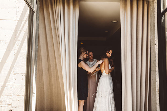carondelet-house-moody-spooky-vintage-peony-wedding-inspiration06