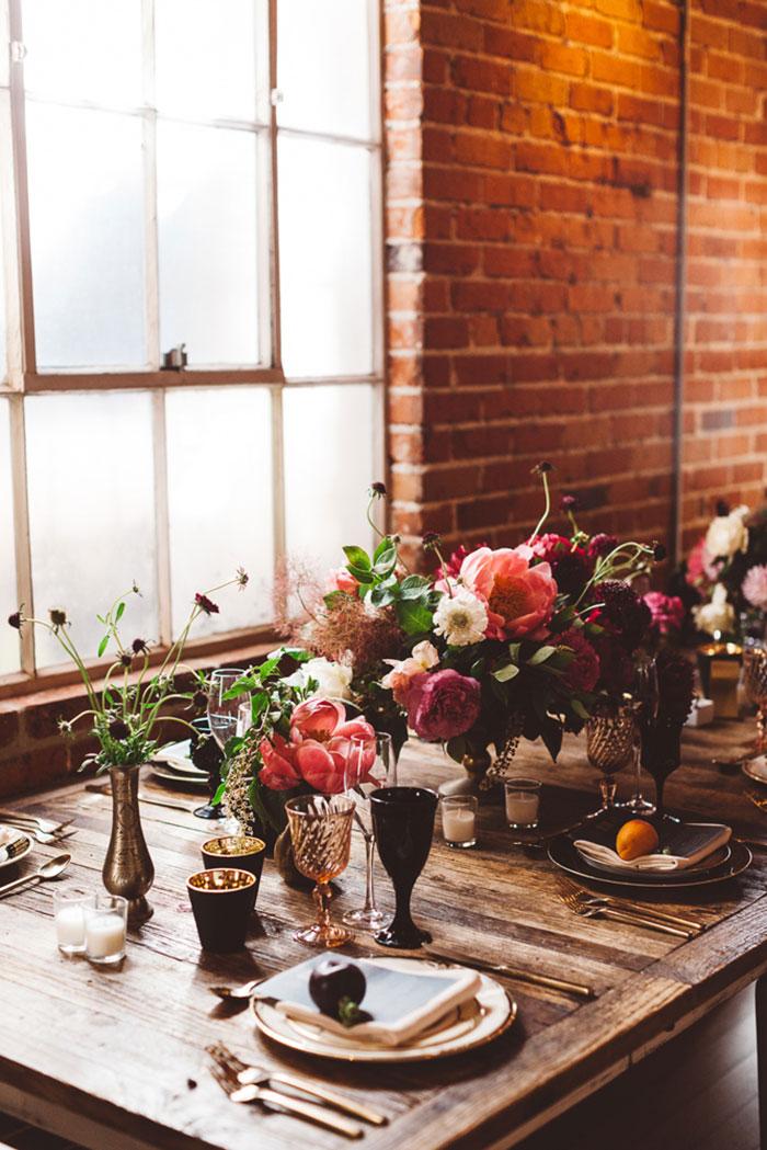 carondelet-house-moody-spooky-vintage-peony-wedding-inspiration49