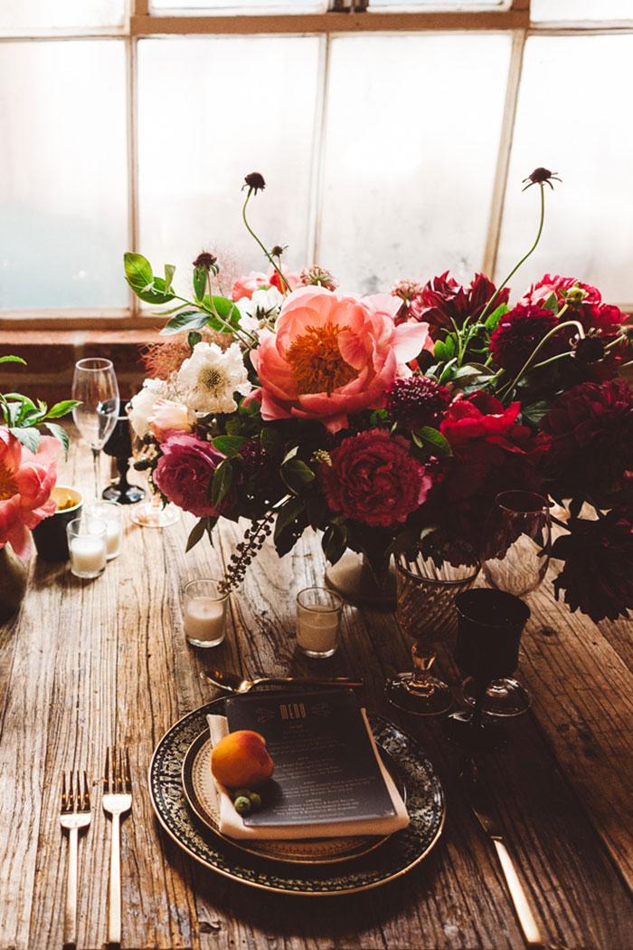 carondelet-house-moody-spooky-vintage-peony-wedding-inspiration51