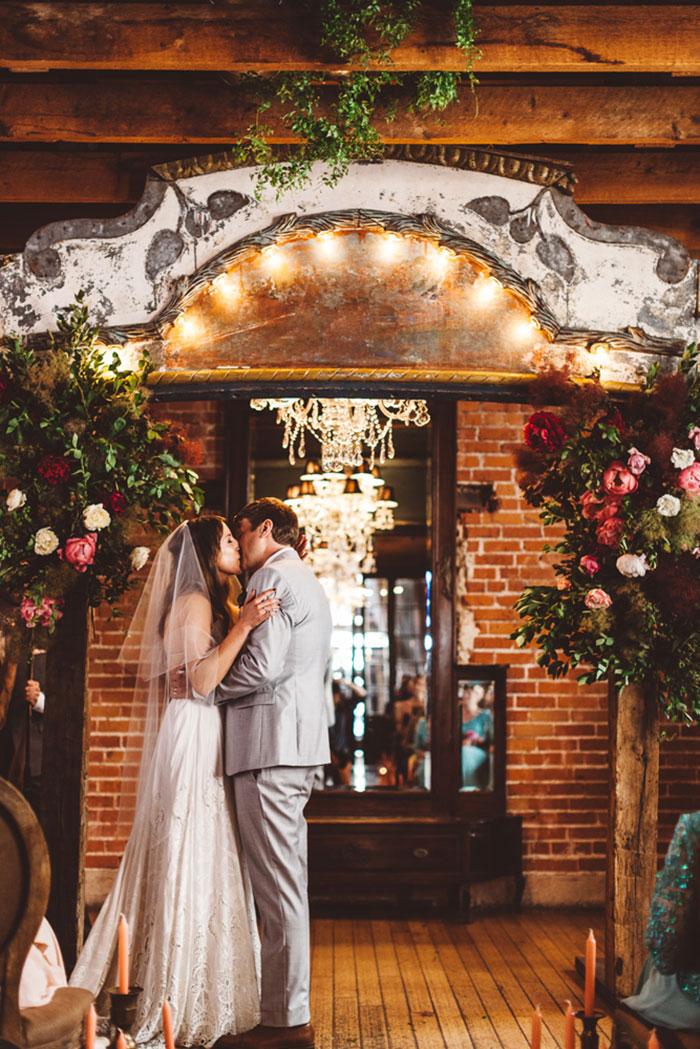 carondelet-house-moody-spooky-vintage-peony-wedding-inspiration74