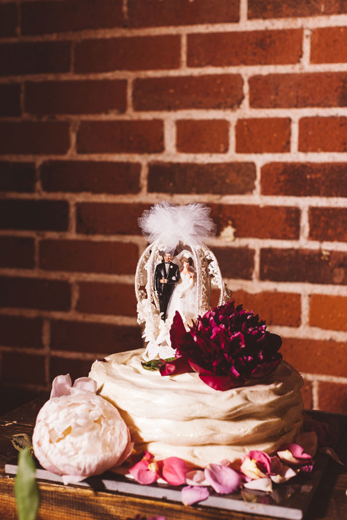 carondelet-house-moody-spooky-vintage-peony-wedding-inspiration96