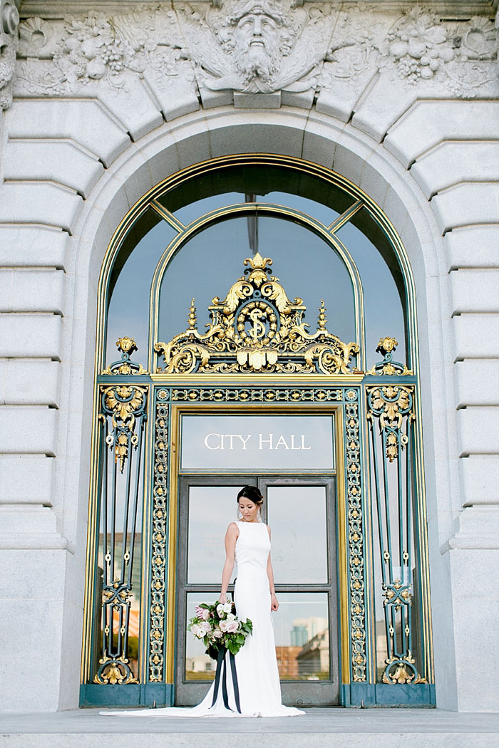 san-francisco-modern-urban-rose-gold-city-hall-wedding-inspiration15