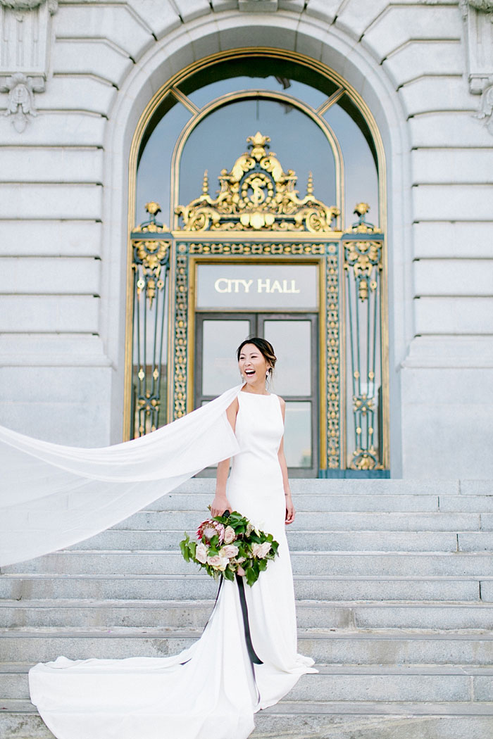 san-francisco-modern-urban-rose-gold-city-hall-wedding-inspiration16