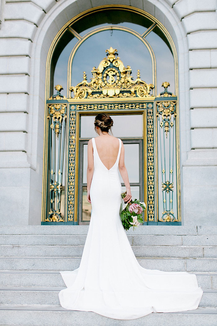 san-francisco-modern-urban-rose-gold-city-hall-wedding-inspiration18