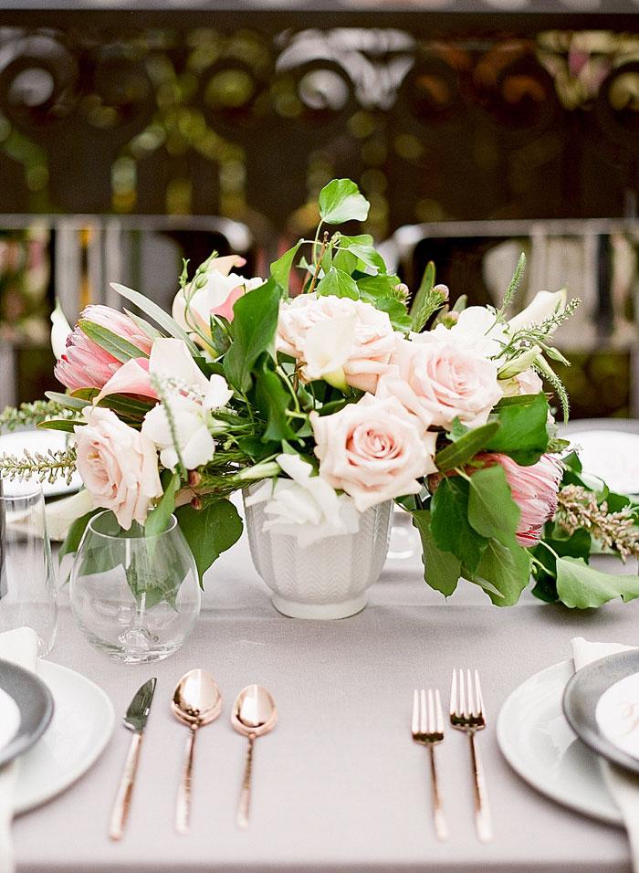 san-francisco-modern-urban-rose-gold-city-hall-wedding-inspiration31