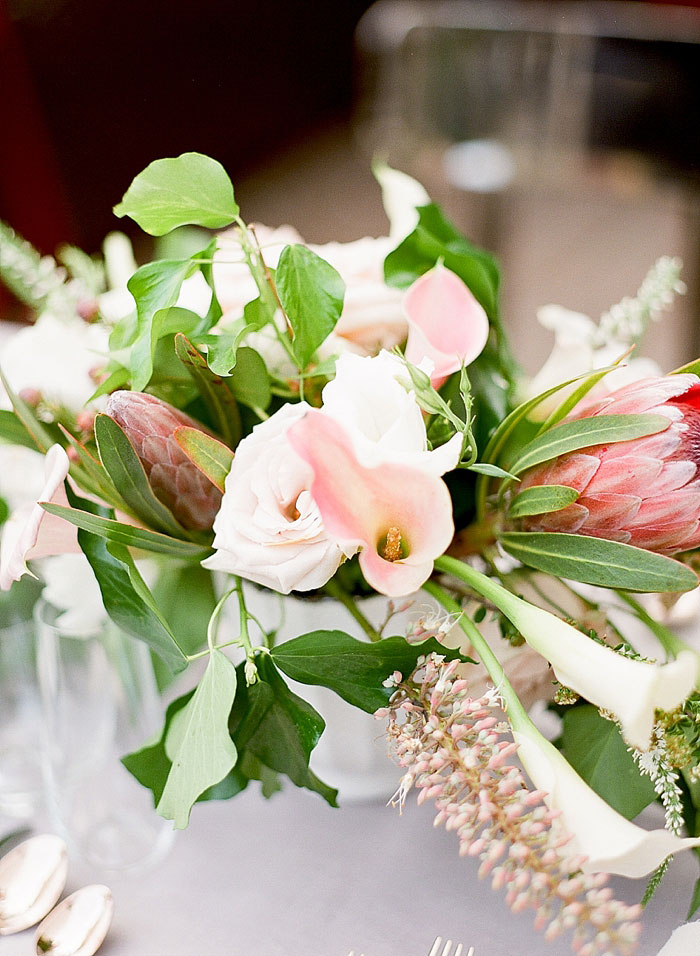 san-francisco-modern-urban-rose-gold-city-hall-wedding-inspiration32